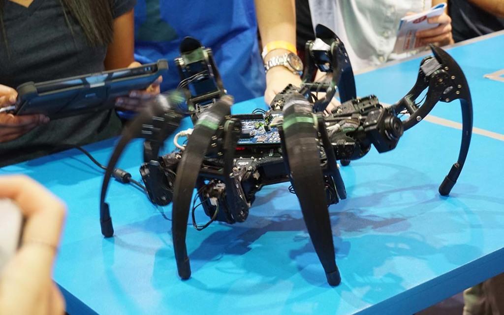 il Drone Ragno, mosso dal Galileo di Intel